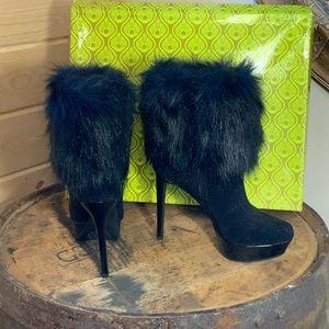 Gianni Bini Dimitria faux fur boots sz 7.5M NEW